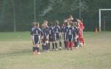 Mladi nogometaši pred začetkom tekme