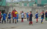 Veliko energije med trenerjem in nogometaši..