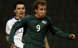 Dejan je pred leti igral v Slovenski reprezentanci, danes je kapetan članske ekipe in trener starejši dečkov. Brez dela in predanosti nogometu ni pričakovati čudežev...